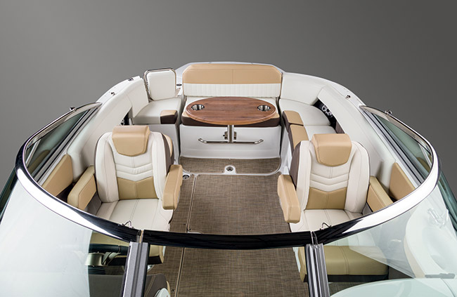Cockpit of a Cruisers Yachts 258 Bow Rider