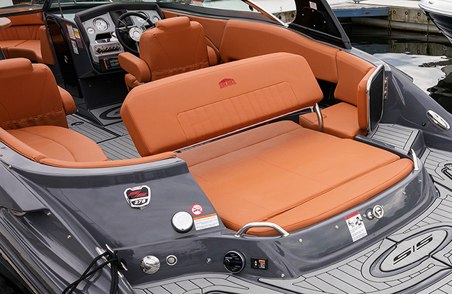 Convertible Sunpad of a Cruisers Yachts 278 South Beach Edition - Bow Rider