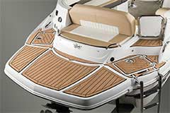 Swim Platform of a Cruisers Yachts 298 Bow Rider