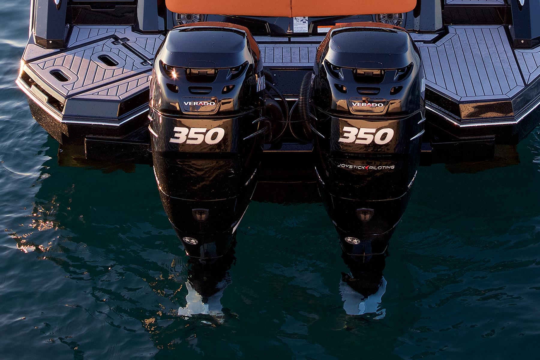 Outboards of a Cruiser Yachts 338 Outboard