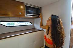 Microwave of a Cruisers Yachts 338 Bow Rider