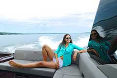 Convertible Sunpad of a Cruisers Yachts 338 Palm Beach Edition - Bow Rider