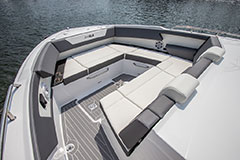 Bow Lounge of a Cruiser Yachts 34 GLS