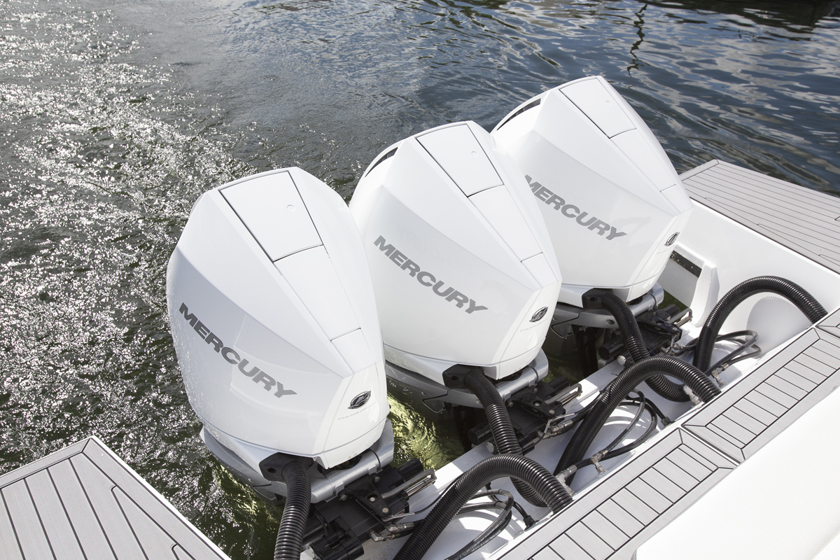 Outboard of a Cruiser Yachts 38 GLS