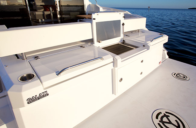 Grill of a Cruiser Yachts 42 Cantius