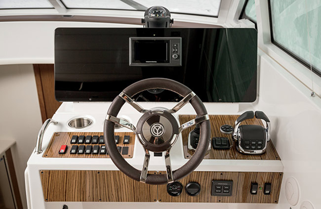 Helm of a Cruiser Yachts 45 Cantius