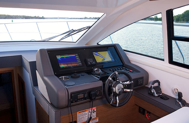 Helm of a Cruiser Yachts 46 Cantius