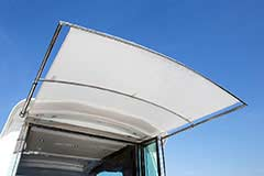 Sunshade for a Cruiser Yachts 50 Cantius