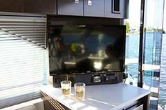 TV for a Cruiser Yachts 50 Cantius